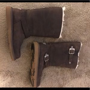 ad2bf72e757f Gently used Ugg Sherpa lined leather riding boots